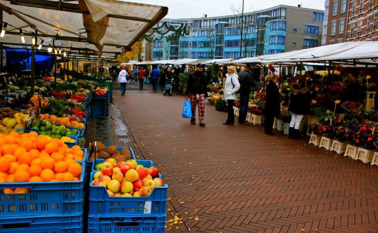 Winkelen op de Dappermarkt in Amsterdam - openingstijden ...