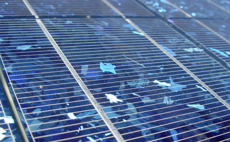 Zonnepanelen: flink investeren maar ook flink besparen