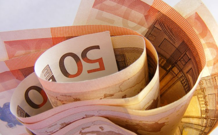 Verdien een fortuin: vreemde manieren om aan geld te komen